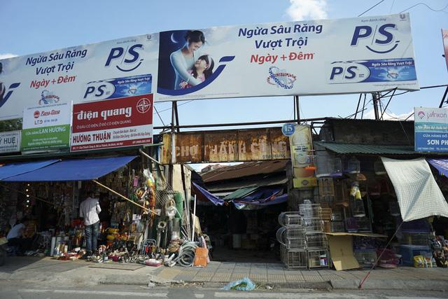 Thi công pano quảng cáo cổng chợ